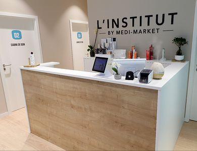 Salon - L' INSTITUT Medi-Market Gosselies