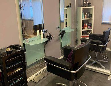 Salon - Haarateljee