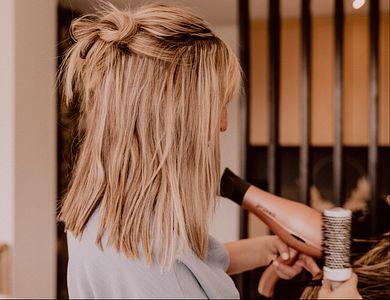 Salon - F'Hairytale