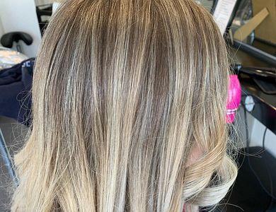 Salon - Unique Hairstudio