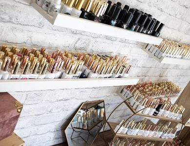 Salon - Favorite Nails