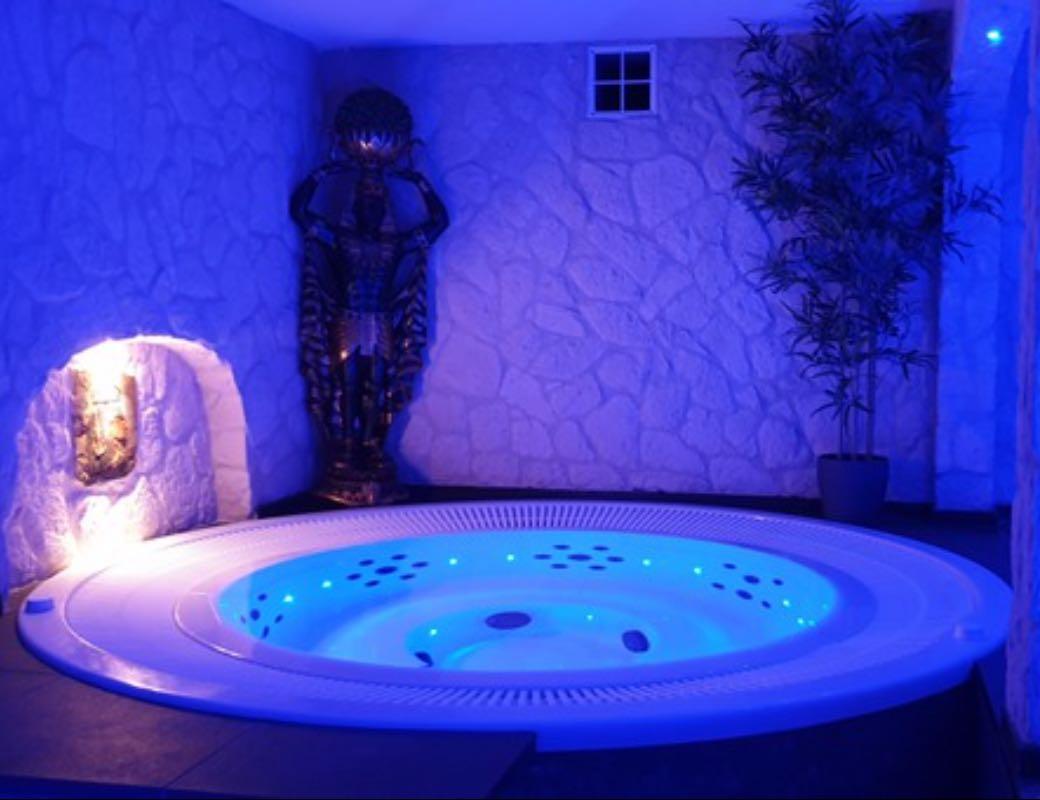 Salon - Privé Sauna L'eau Cristal