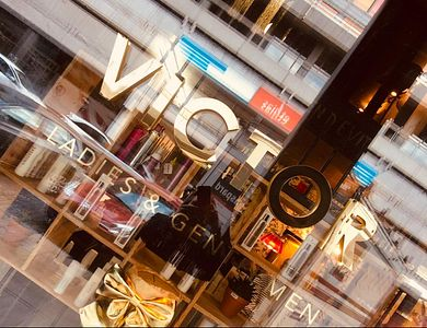 Salon - VIC+OR By Victor