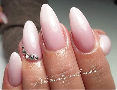 Salon - A.L Beauty and Nails