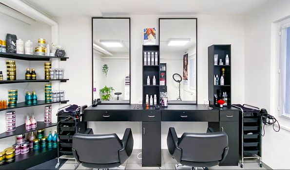"SOS Coiffure, {""fr"":""Lausanne""} 