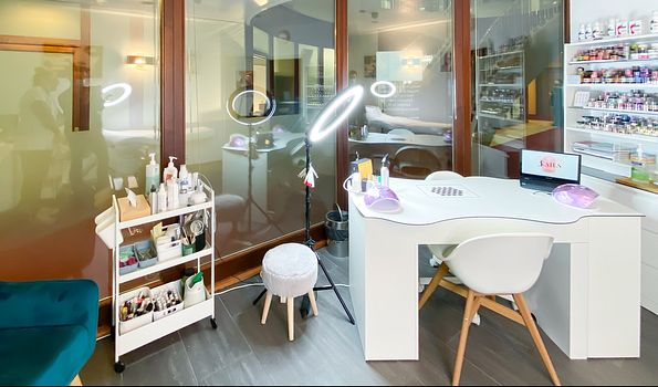 J. Nails Designer, Le Grand-Saconnex | Salonkee