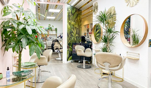 """Le Salon Max and Dio, {""""fr"""":""""Clarens""""}   Salonkee"""