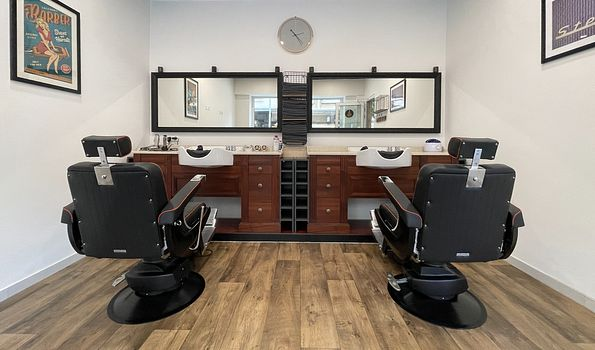 """9th Street Barber Shop, {""""fr"""":""""Luxembourg""""} 