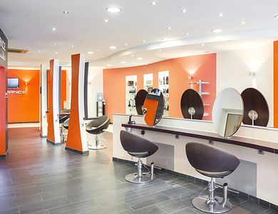 Salon - Igorance Gasperich