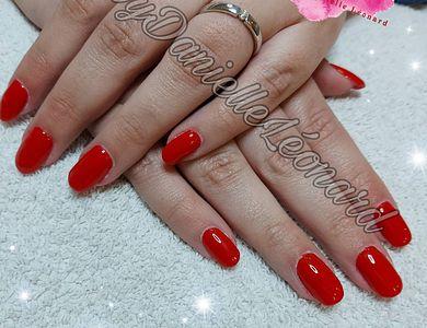 Salon - Nails by Danielle Léonard