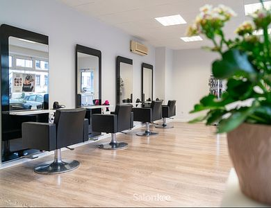 Salon - NHair Coiffure