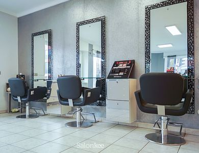 Salon - Timeless by Clara