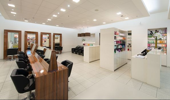 "NM Coiffure Windhof, {""fr"":""Luxembourg""} 