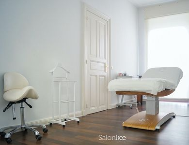 Salon - Derma Center by Kate Poensgen