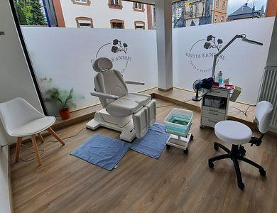 Salon - Jessica's Pedicare & Beauty Studio