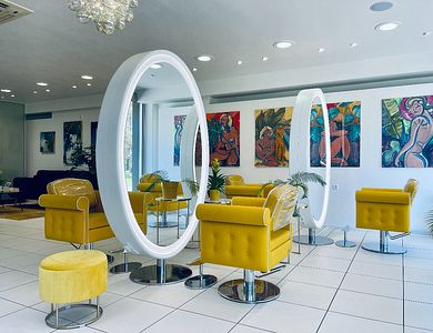Salon - Maison De L'Art
